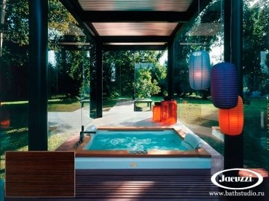 Jacuzzi Aura Plus Top